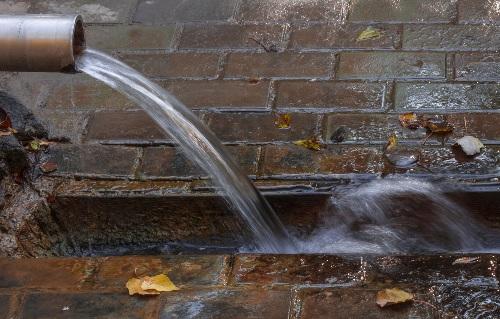Lakossági tájékoztató a szabálytalan csapadékvíz elvezetés ellenőrzéséről